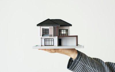 Bliźniak pod miastem czy mieszkanie w centrum? Co wybrać?