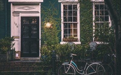 Zalety mieszkania w domu jednorodzinnym – dlaczego warto zainwestować we własny dom ?